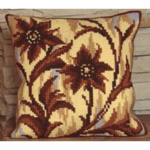 Silhouette au Milieu Cross Stitch Cushion Kit